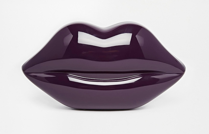 purple-glossy-lips-clutch-handbag