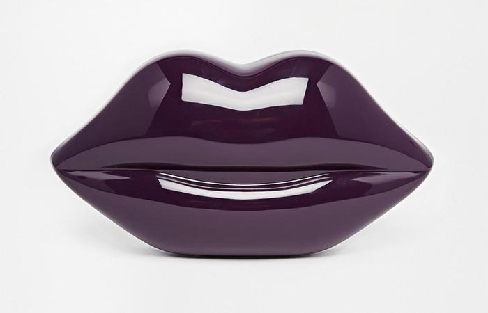 purple-glossy-lips-clutch-handbag